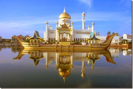 Sultan-Omar-Ali-Saifuddin-Mosque_1