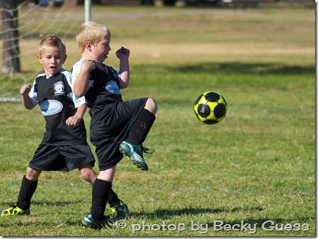 10-01-11 Zane soccer knee