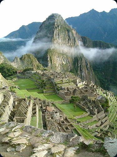 Machu_Picchu_Sunrise