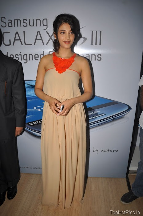 Shruti Hassan Hot Pics from Mobile Launch Event 5
