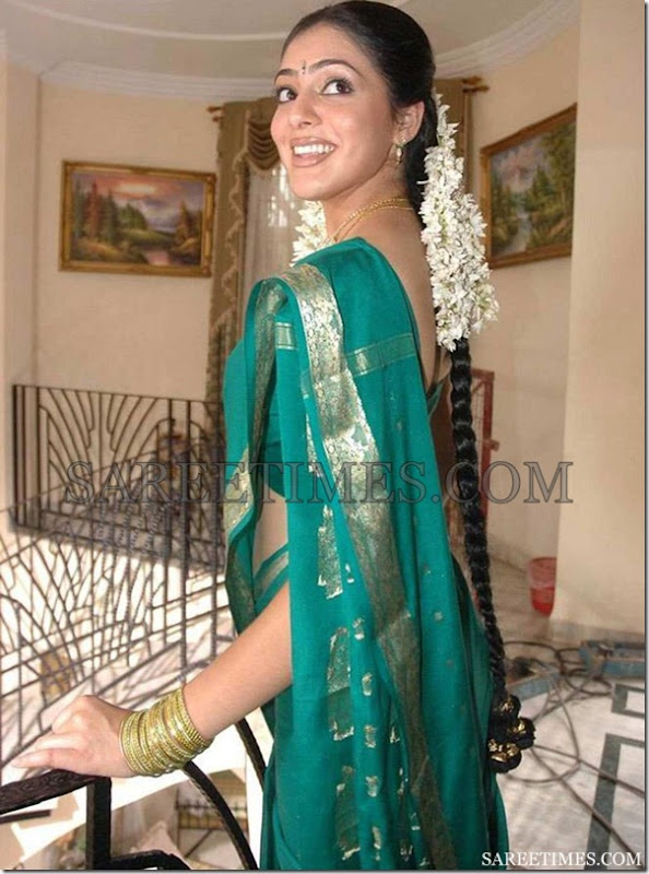 Parvathy_Melton_Green_Silk_Saree