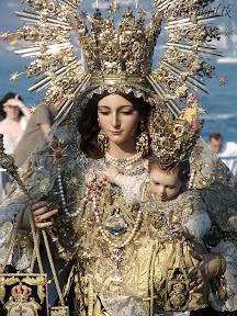 procesion-carmen-coronada-de-malaga-2012-alvaro-abril-maritima-terretres-y-besapie-(55).jpg
