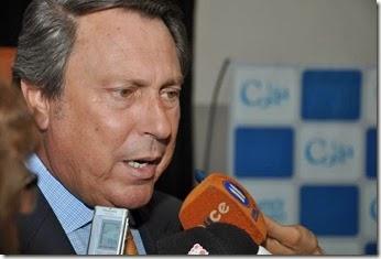 Ricardo Casal, ministro de Justicia de la provincia de Buenos Aires, realizó una visita a La Costa, donde entregó escrituras sociales y recorrió la Escuela de Policía