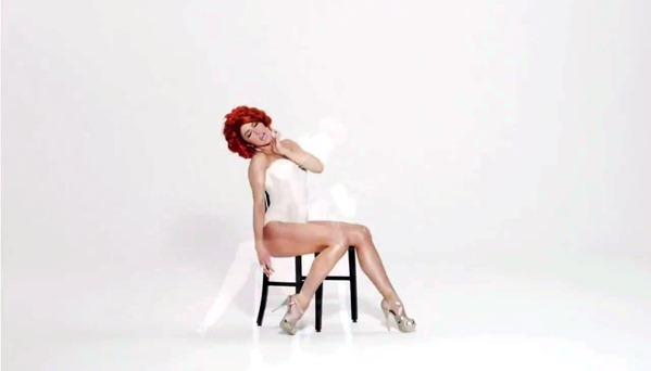 Neon Hitch - Fuck U Betta [Explicit Version].mp4_snapshot_00.19_[2012.10.03_23.03.07]