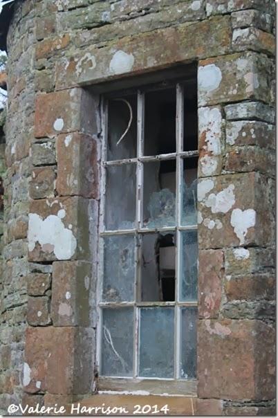 5-broken-window