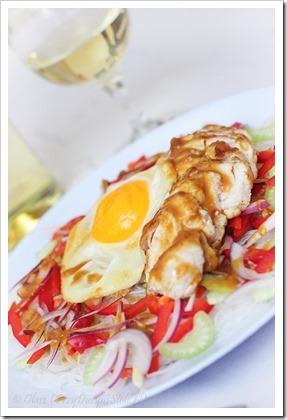 Przy dużym stole: Sałatka musztardowo-miodowa z kurczakiem