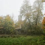 Mglisty Dwór w Łopuchowie oraz Dworzec w Skokach