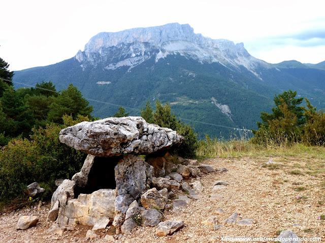 dolmen-de-tella-pirineo.JPG