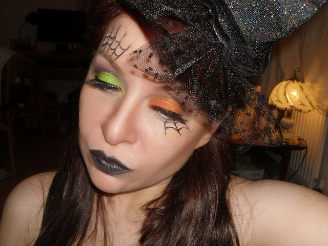 05-halloween-web-witch-makeup-look