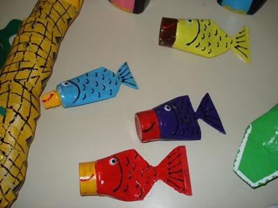 peces con vasos de plastico