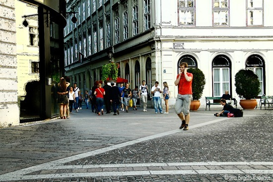people_20110930_street