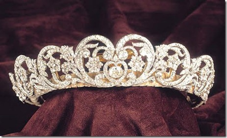 Spencer Tiara Up close