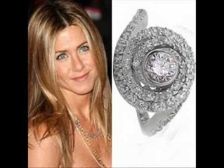 Brand Pitt Give Ring To Jennifer Aniston  Worth $500,000