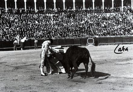 s.f. Sevilla Pepe Luis quite por veronicas (f. Lara) 001