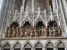 2014.07.20-036 scènes dans la cathédrale