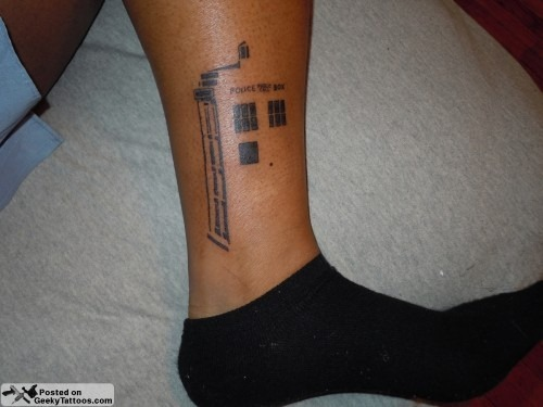 TARDIS Tattoo via geekytattoos