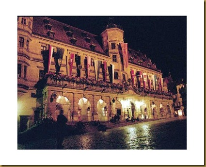 707696-Rothenburg_Square_at_night_Rothenburg_ob_der_Tauber