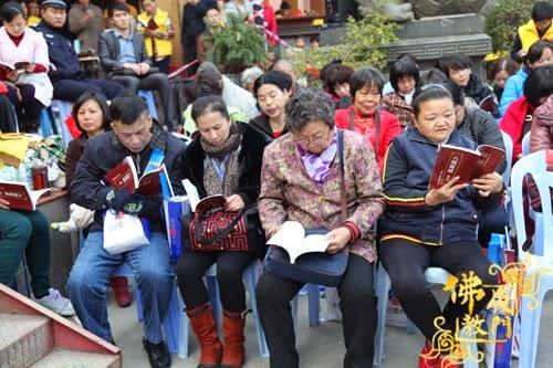 Thời sự tin tức Phật gáo thế giới - Người Áo Lam - 021