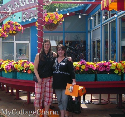 Missy from My Cottage Charm and friend Elisha on bloggers day out