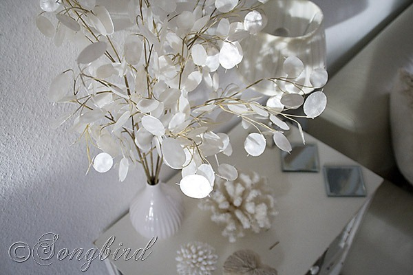 Songbird white decoration 3