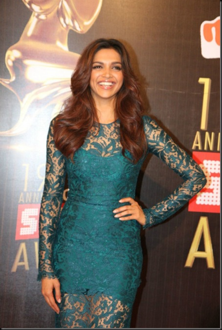deepika-padukone-at-colors-19th-screen-awards-4_4