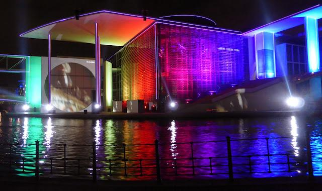 Film- und Lichtprojektion im Parlamentsviertel