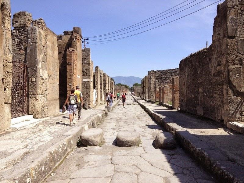 streets-pompeii-2