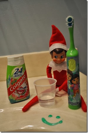 Elf on the Shelf - Brush your teeth