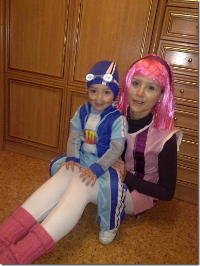 idisfraz com lazy-town-stephanie-y-sportacus jpg (2)