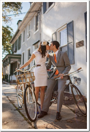 helen-colin-wedding-day-white-colorful-hipster-rustic-vintage-special-lovely-couple-inspiration-blogger-blog-bike-vintage