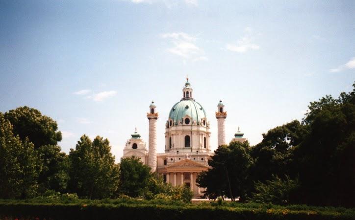 8. Karl's Kirche.jpg