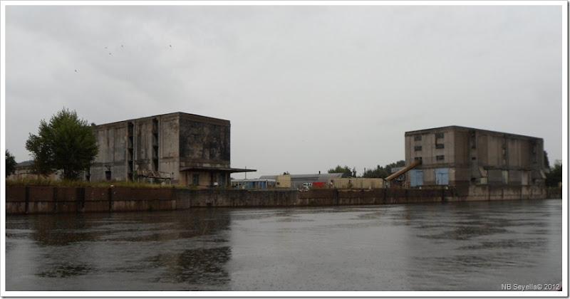 SAM_2605 BW Grain Warehouse