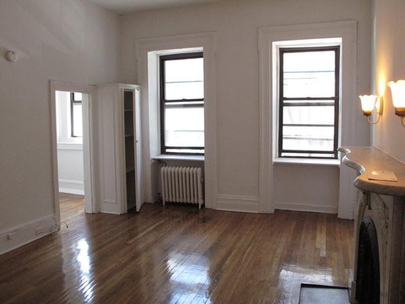 LIvingroom with windows