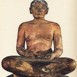 44 - El escriba sentado del Museo del Louvre