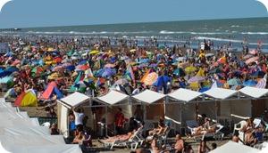 Playas de La Costa en verano