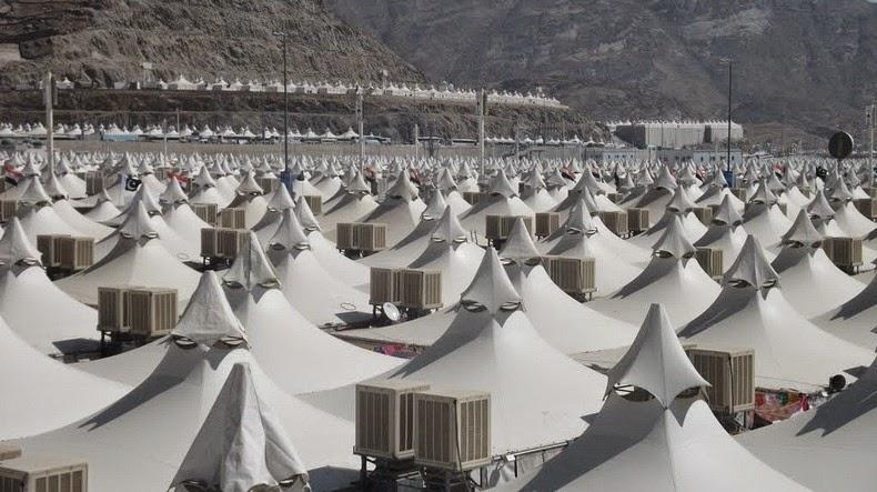 Syrian Civil War: News #2 - Page 4 Mina-tent-city-12%25255B2%25255D
