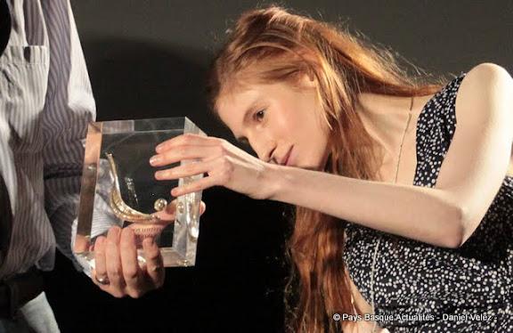 """Chistera du meilleur film """" Une bouteille à la mer"""" et son actrice principale Agathe Bonitzer"""