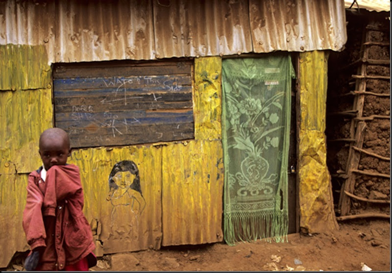 Kenya - Nairobi, art in arrival from the shanty towns