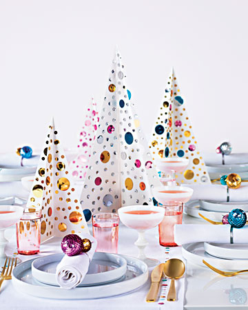 I love this jeweled table with the napkin rings, table runner, and centerpieces. So sparkly and festive, perfect for a New Year's Eve get together. http://www.marthastewart.com/how-to/sequined-christmas-tree-centerpiece