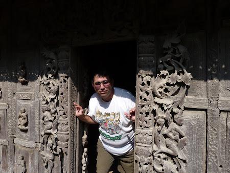 Obiective turistice Myanmar: templu de tec in Mandalay