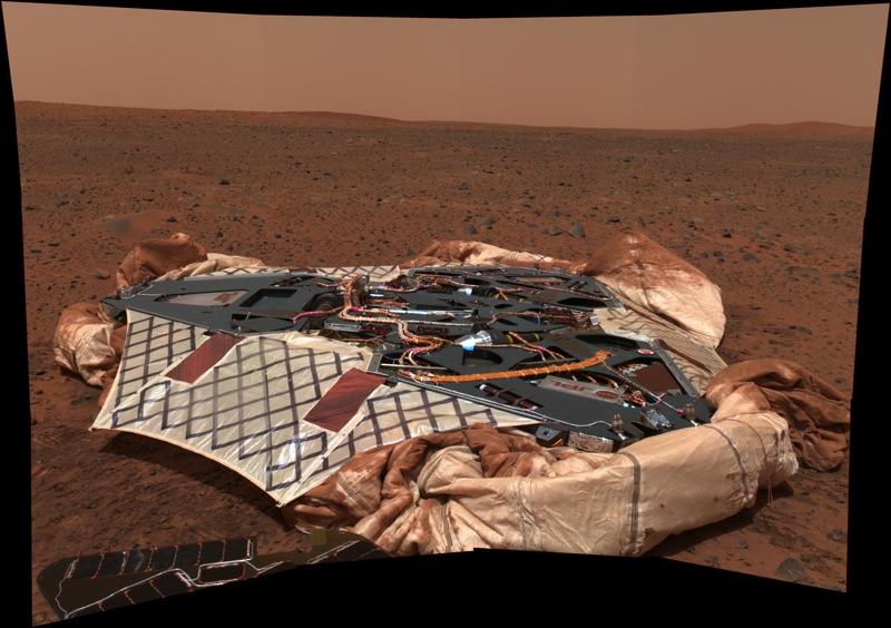 PIA05117 Spirit rover lander