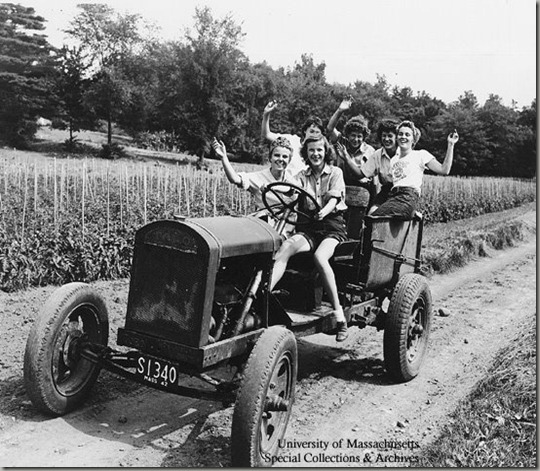 women_on_tractor