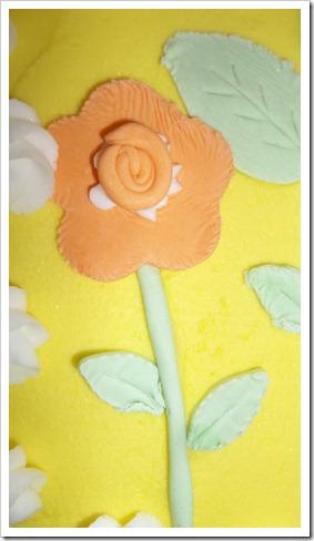 gum paste flower cake 018