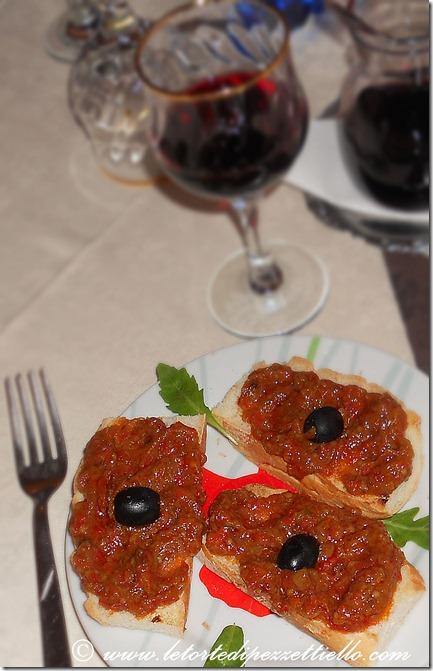Bruschetta con crema di verdure (peperoni)