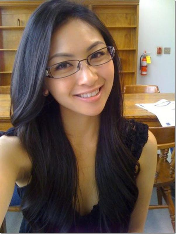 lindas mulheres de oculos (22)
