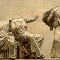 17.- Fidias. Frontón del Partenón