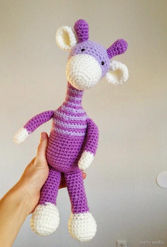 crochet giraffe // www.maybematilda.com