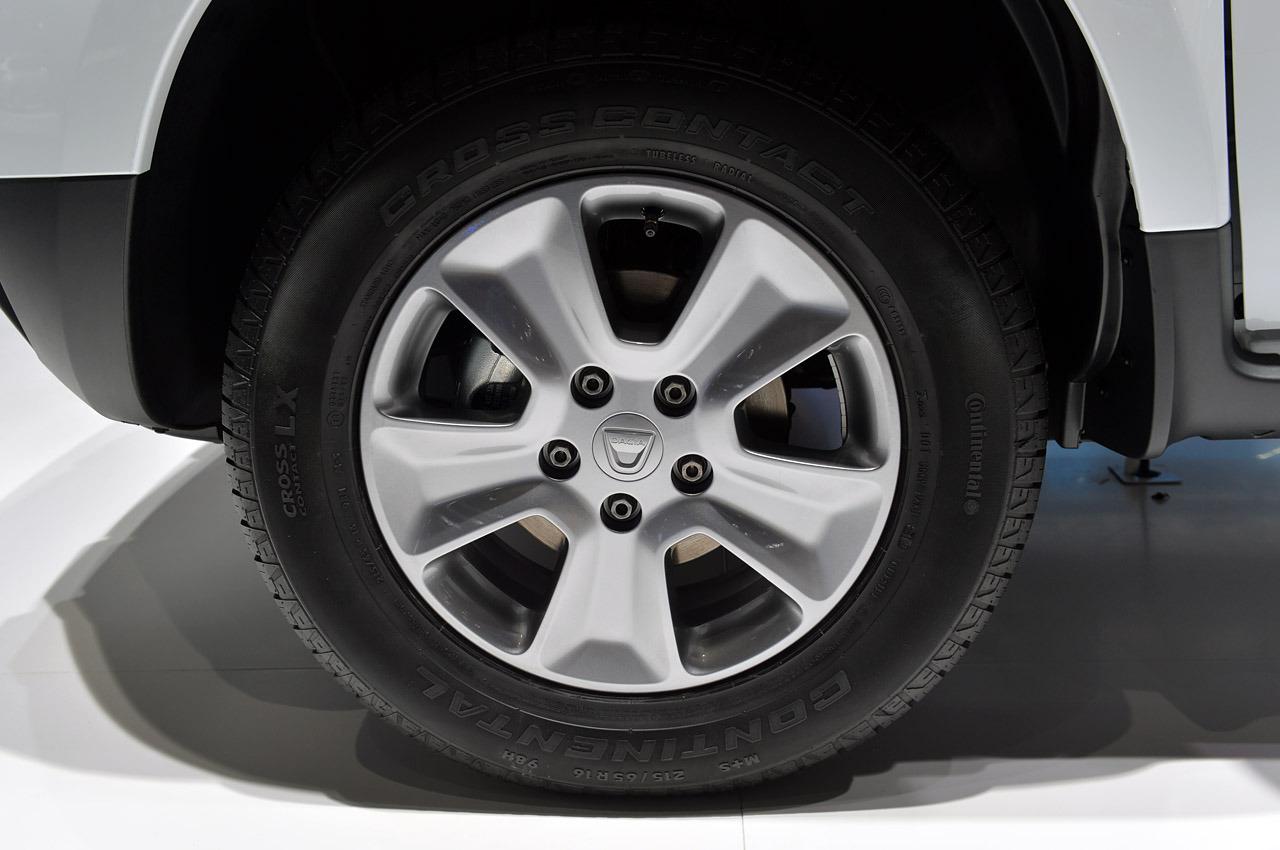 Dacia-Duster-2014-10.jpg