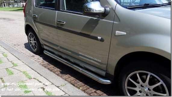 Dacia Sandero met sidebars 03