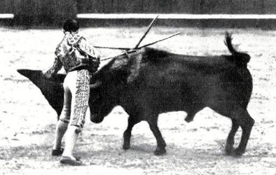 1915-05-08 (p. 12 Mundo Grafico) Un clamoroso triunfo de Joselito 06